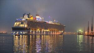 Lanzan un crucero para viajar a ninguna parte