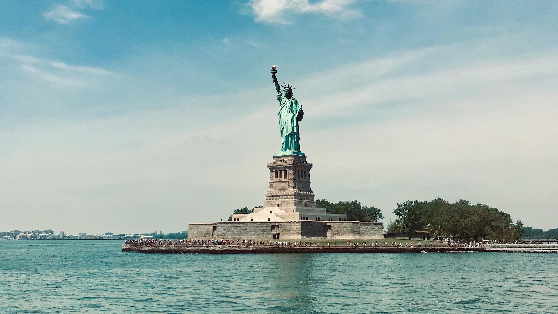 Viajar a New York con nuevas reglas: dos tests y cuarentena de tres días