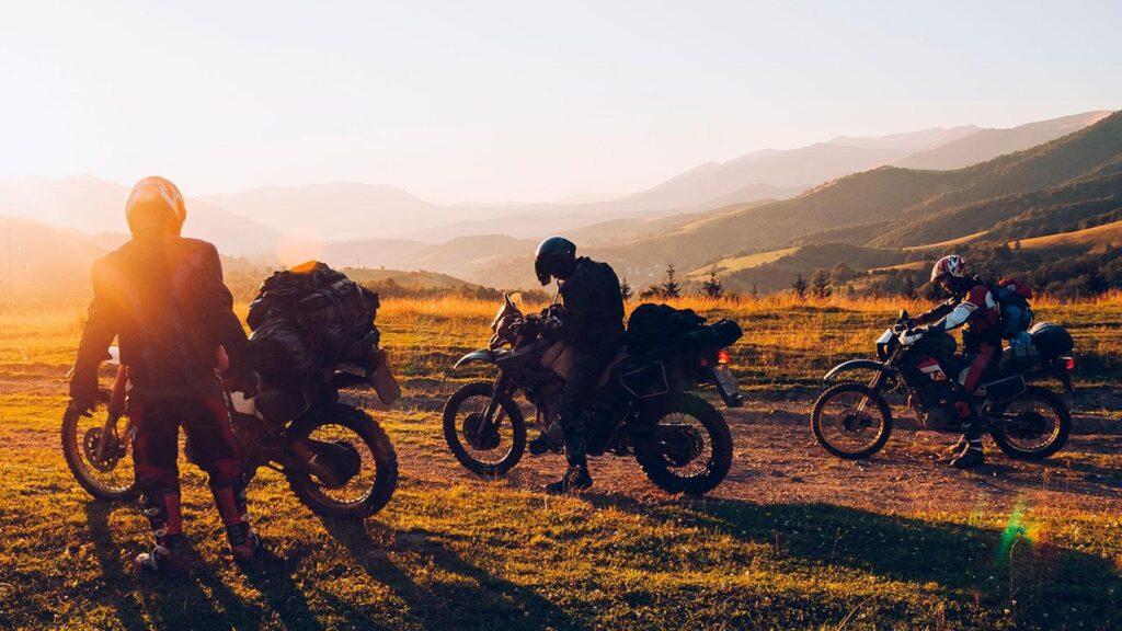 Viajar a Colombia y recorrer el país en moto: un turismo diferente
