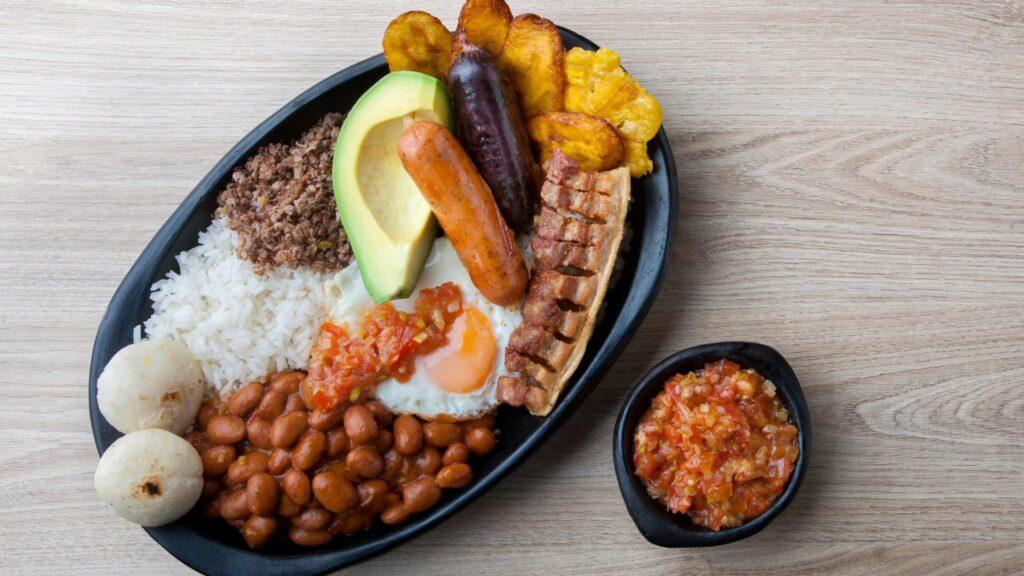 Viajar a Colombia: los mejores platos de su gastronomía típica