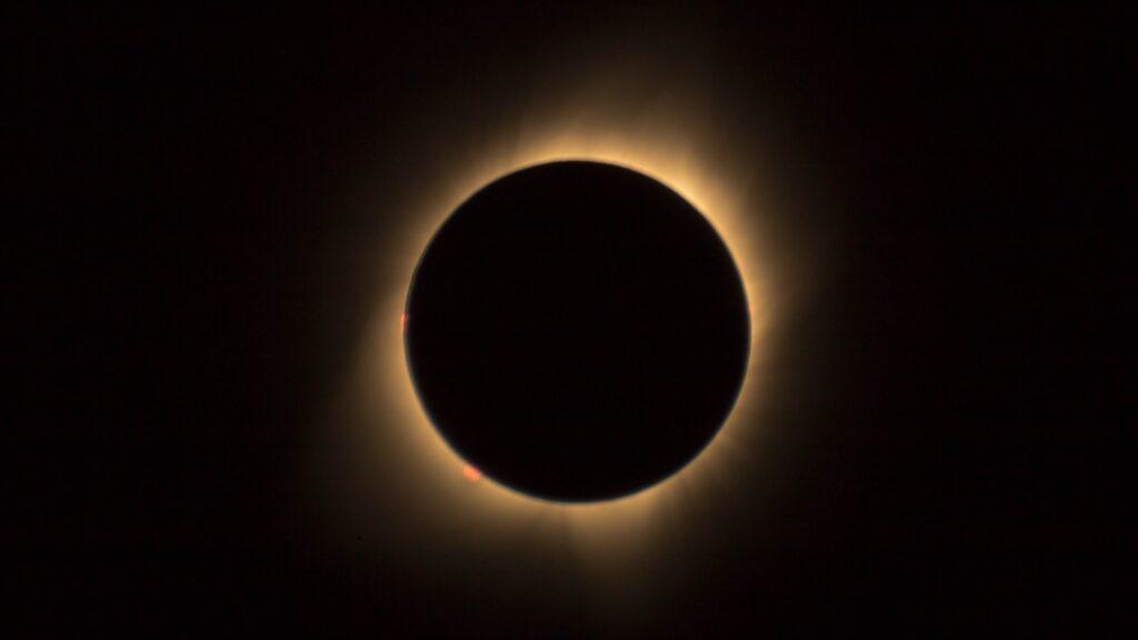 ¿Cómo y dónde ver el eclipse total de Sol del 14 de diciembre?