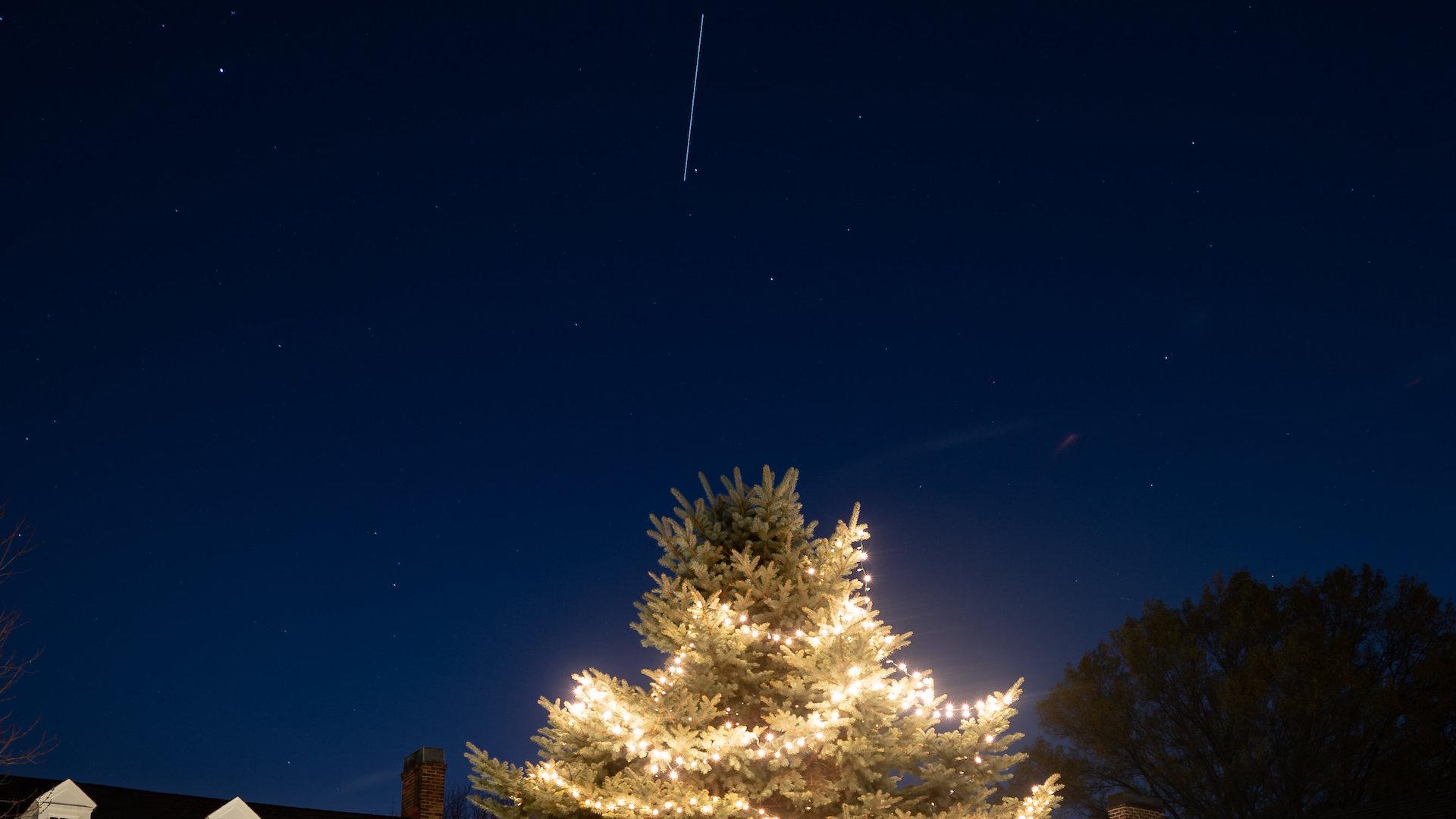 Así se ve la Estación Espacial desde la Tierra en la previa de Navidad