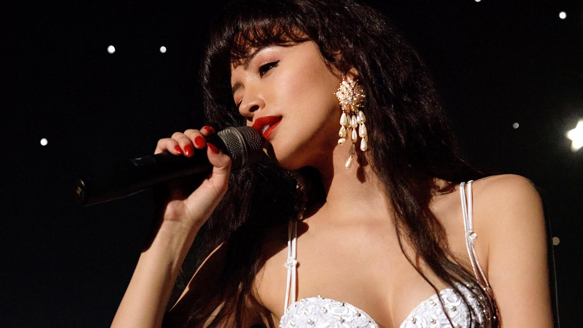 Así es Selena: la serie, la imperdible nueva producción de Netflix