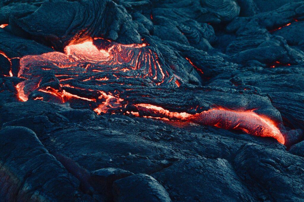 ¿Qué es un volcán? ¿Y por qué hace erupción?