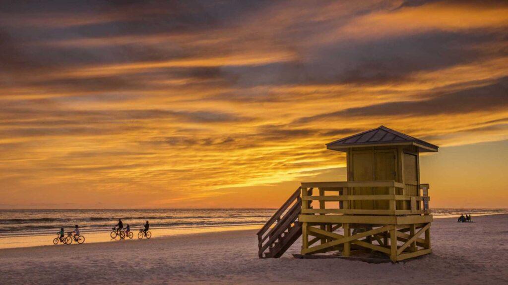 A dónde viajar en Florida, más allá de Miami: Sarasota, playas y mar azul