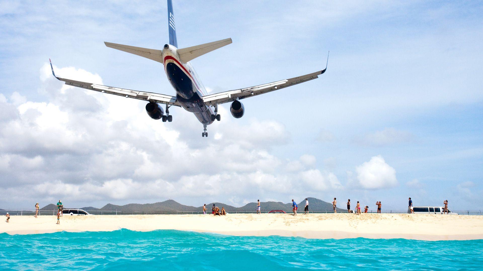 St. Maarten prohibió temporalmente a turistas de Latinoamérica