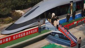 Este es el nuevo tren de alta velocidad de China: 620 km/h