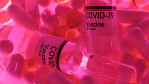 OmniCalculator nos dice el turno de vacunación del COVID-19 en España