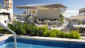 Inauguró el Hotel Palacio Provincial en San Juan de Puerto Rico