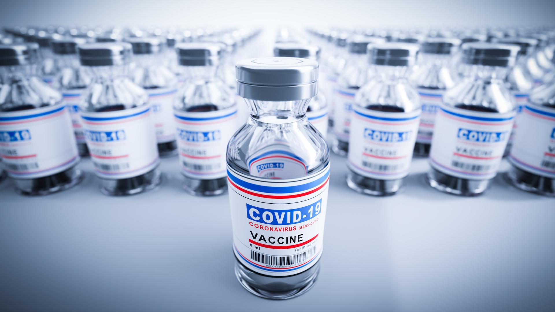 Si se está vacunado contra el COVID-19, no habrá que hacer cuarentena