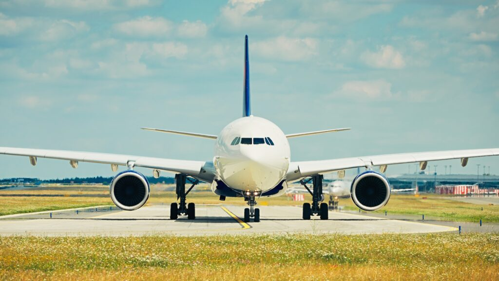 Desde el 29 de marzo, Argentina reprograma los vuelos internacionales: no se suspenden