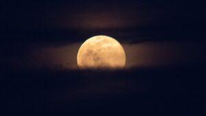 ¿Qué es una superluna? ¿Cuáles son las fechas de 2021?
