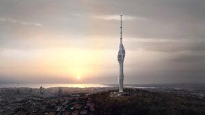 Inaugura la torre de radio en Estambul con vistas panorámicas a Europa y Asia