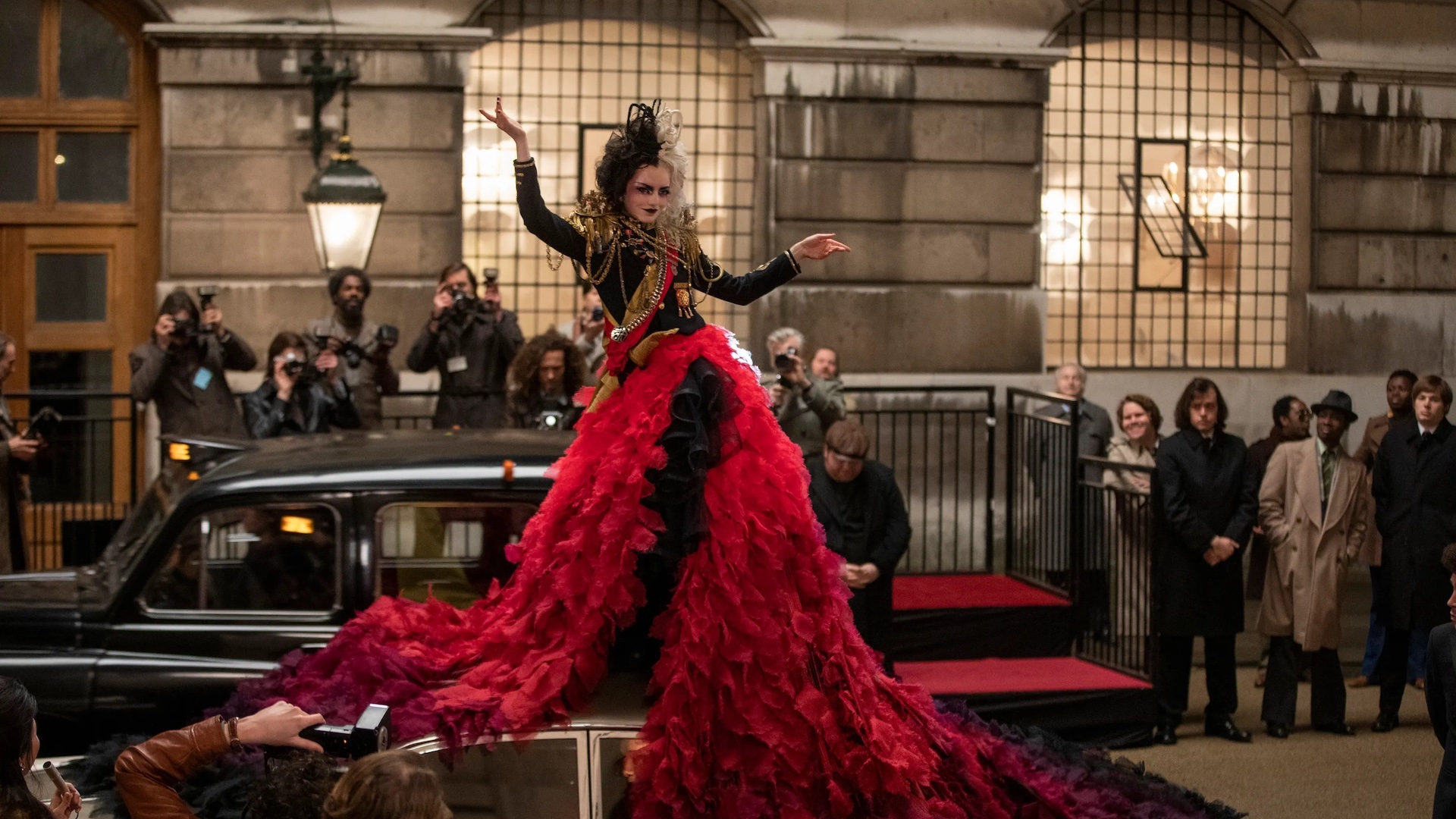 En mayo estrena la película Cruella en cines y Disney Plus. ¿Cómo verla?