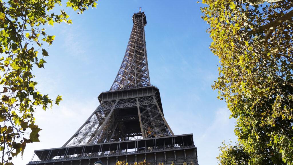 Más restricciones para viajar a Europa: Francia ahora exige cuarentena