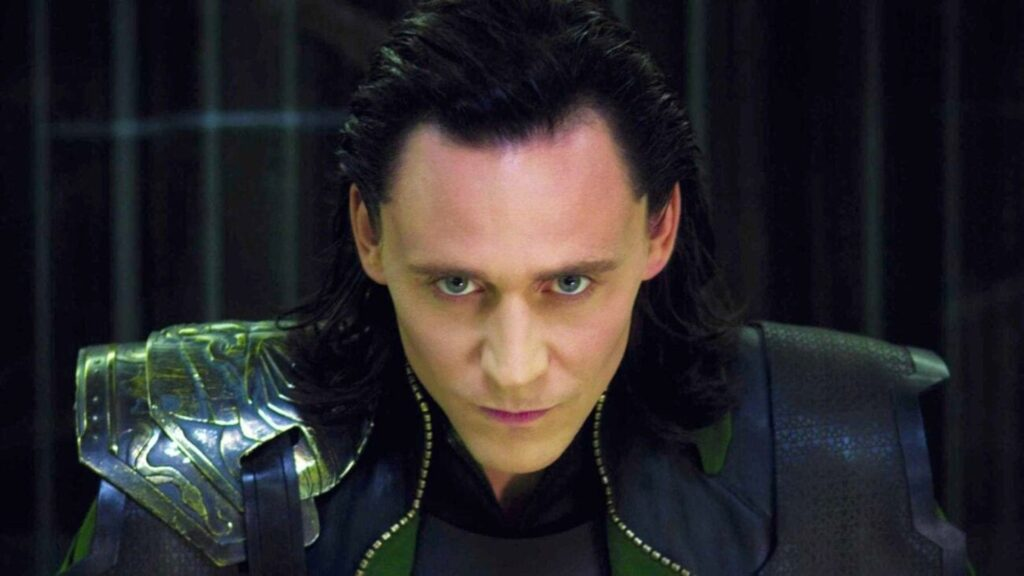 Tom Hiddleston explica qué hizo Loki en el MCU antes de la serie