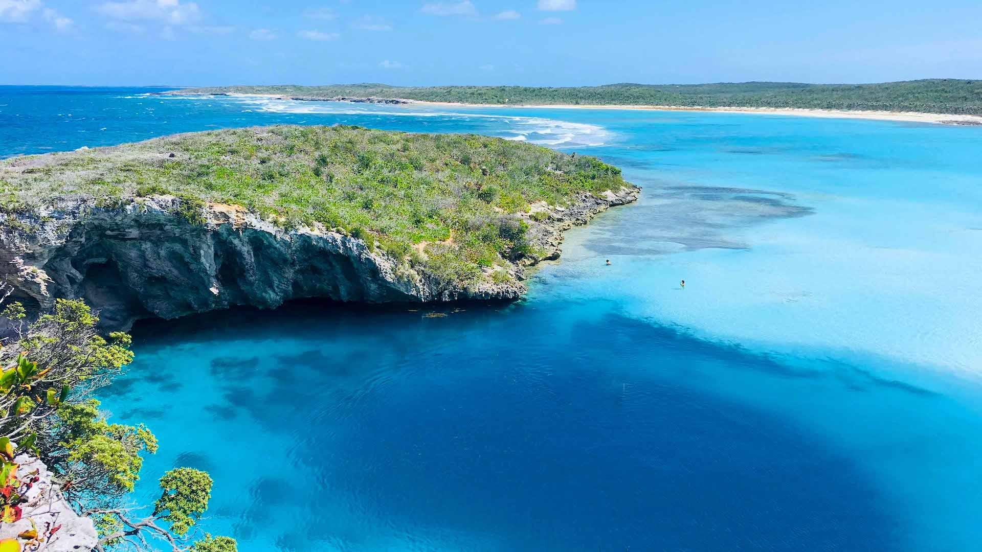 Quienes estén vacunados pueden viajar a Bahamas sin tests