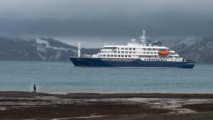 Eclipse Total de Sol 2021: lanzan crucero a la Antártida