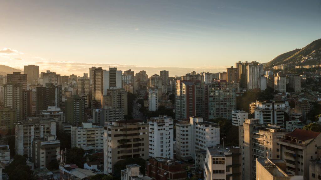 Las peores ciudades del mundo para vivir en 2021: una en Latinoamérica