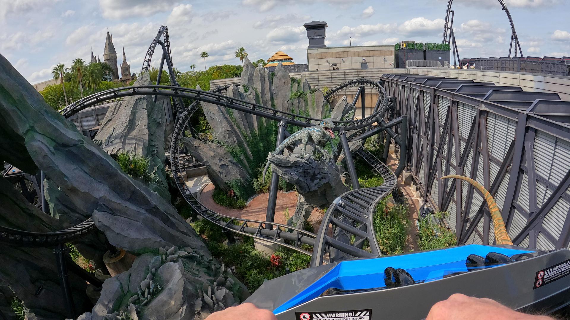 Así es la nueva montaña rusa Jurassic World VelociCoaster: imágenes
