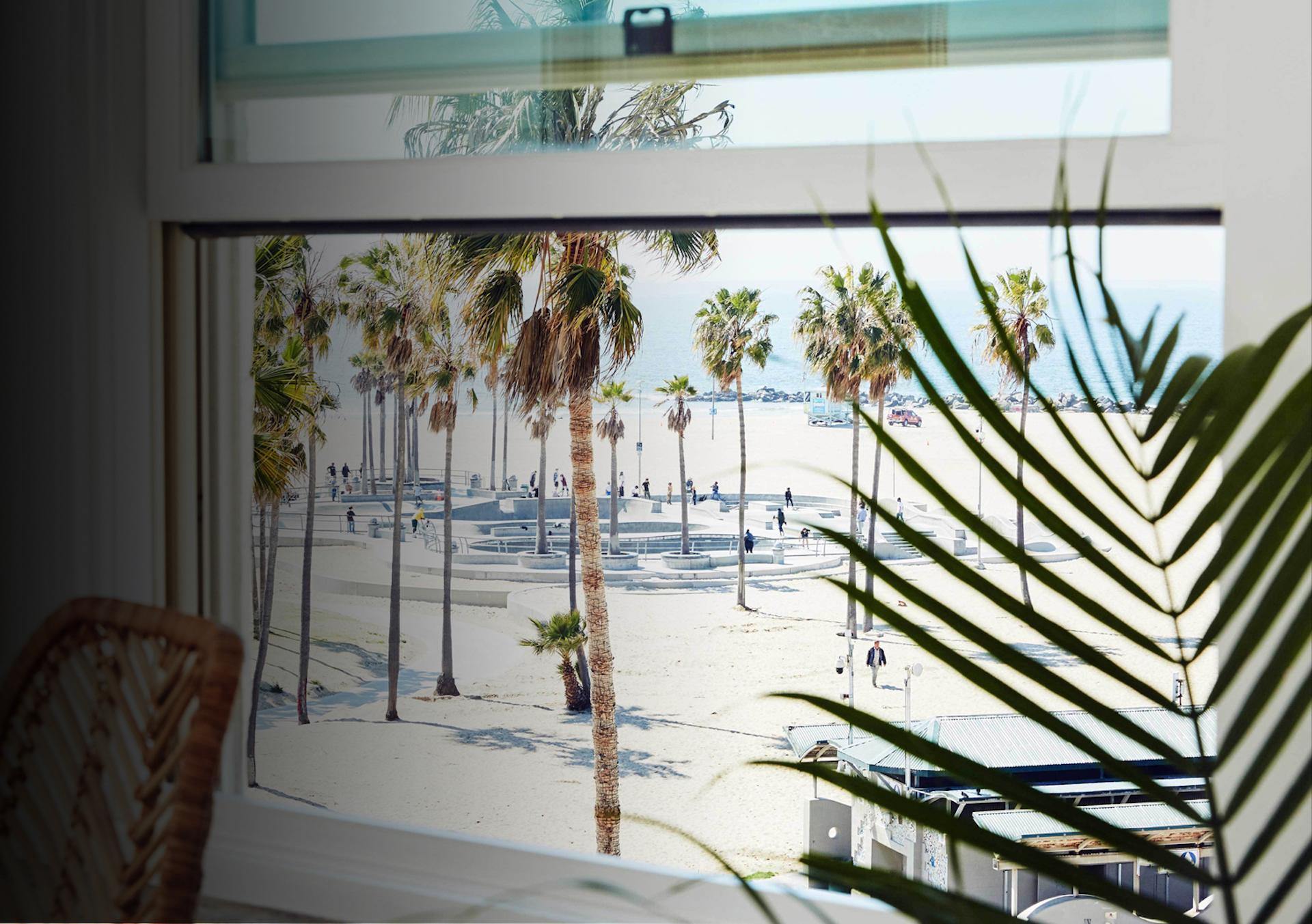 Los Ángeles reabrió al turismo con nuevos hoteles para alojarse