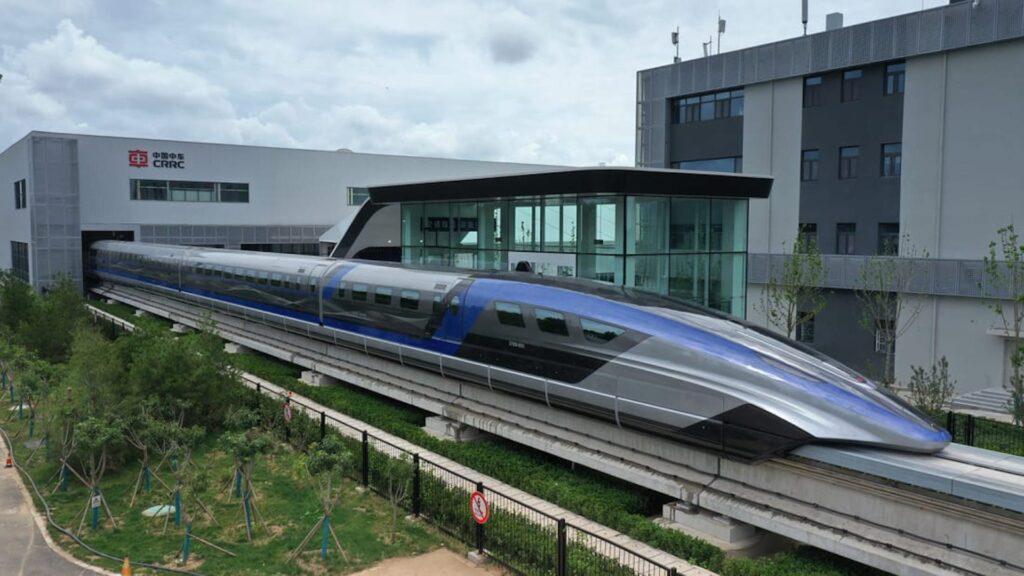 Debutó en China el nuevo tren más rápido del mundo: ¿Su velocidad?