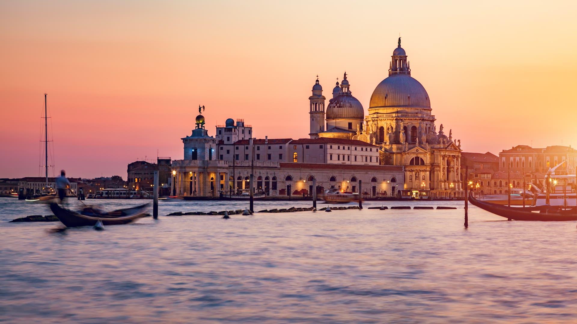 El gobierno de Italia confirmó la prohibición de cruceros en Venecia