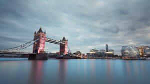 Los vacunados pueden viajar al Reino Unido dependiendo del país