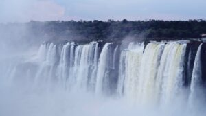 Argentina abre fronteras a extranjeros y elimina la cuarentena a vacunados