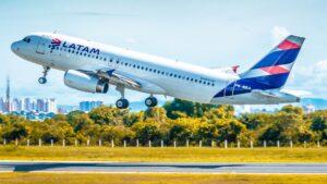 Los vuelos aprobados de Latam para volar en octubre a Brasil, Chile y Perú