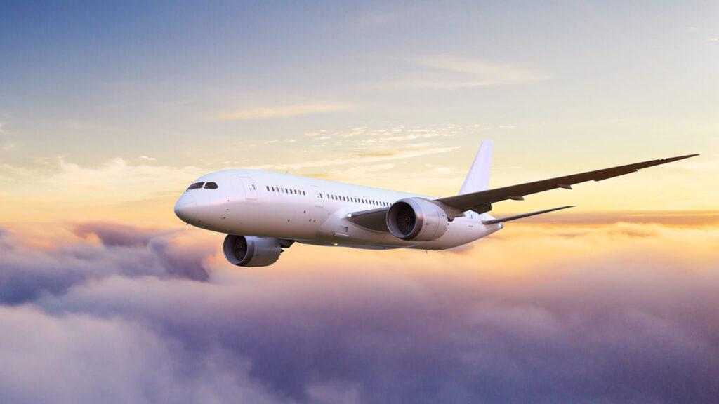 Diez consejos para ahorrar a la hora de comprar un pasaje o ticket de avión