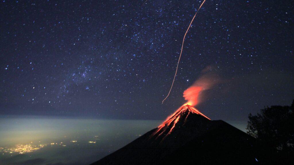 ¿Cuál es el país con mayor cantidad de volcanes?